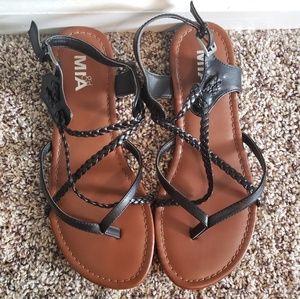 NWOT!🎉 Black Braided Gladiator Sandal
